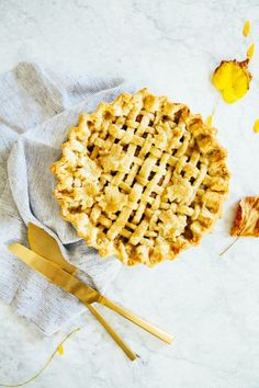 maple pear pie with