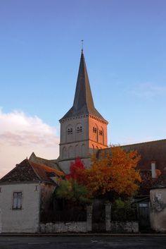 Au cœur de Chassignolles, un village du Berry. L'église