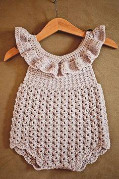 Crochet PATTERN - Ruffle Romper (sizes and months) - häkeln - Baby Crochet Romper, Baby Girl Crochet, Ruffle Romper, Crochet For Kids, Crochet Clothes, Knit Crochet, Crochet Dresses, Crochet Dress Girl, Crochet Ruffle