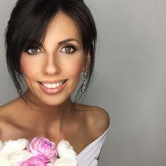"EP Makeup & Hair Lake Como on Instagram: ""💐 Bridal Makeup💐 . . . . #elenapanzeri #lakecomo #italy #визажиствмилане #lakecomomakeupartist #свадьбавиталии #свадебныйстилист…"" Bridal Makeup, Wedding Makeup, Lake Como Wedding, Hair Designs, Luxury Wedding, Milan, Wedding Hairstyles, Bride, Instagram"