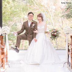 #決めポーズ  お二人のとっておきの決めポーズ  普段写真を撮る時もこのポーズでいろんな場所で撮っているそう  またこのポーズで思い出の写真がつ増えましたね  #結婚#結婚式#結婚写真#ブライダル#ウェディング#wedding#前撮り#ロケーション前撮り#ドレス#カメラマン#結婚式カメラマン#ブライダルカメラマン#写真家#結婚式準備#花嫁準備#花嫁#プレ花嫁#プロポーズ#名古屋結婚式#ウェディングドレス#バンプデザイン#bumpdesign#instagramwedding#instagramjapan#イトウスグル#IGersJP#写真好きな人と繋がりたい #ファインダー越しの私の世界#日本中のプレ花嫁さんと繋がりたい