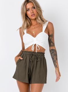 Shop Princess Polly online for the hottest Shorts & Skorts styles trending right now! Buy now, pay later with Afterpay. Cute Casual Outfits, Stylish Outfits, Summer Outfits, Girly Outfits, Pop Fashion, Fashion Outfits, Womens Fashion, Fashion 2018, Fashion Clothes