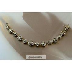 AVARRÓZSA KARKÖTŐ-magyar ékszer Diamond, Jewelry, Fashion, Jewlery, Moda, Jewels, La Mode, Jewerly, Fasion
