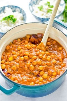 Chickpea Tikka Masala - amazingly tasty and satisfying. Made with just 5 ingredients and so super easy to make. Entirely vegan and gluten free. Veggie Recipes, Indian Food Recipes, Whole Food Recipes, Cooking Recipes, Healthy Recipes, Dinner Recipes, Ham Recipes, Vegan Indian Food, Indian Vegetarian Recipes