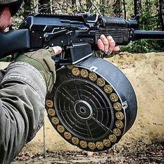 Just enough firepower - Bild Hafen Weapons Guns, Guns And Ammo, Firearms, Shotguns, Tactical Shotgun, Shooting Guns, Military Guns, Home Defense, Assault Rifle