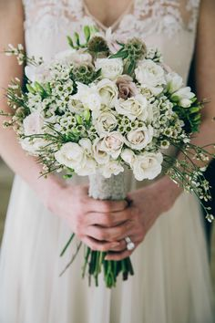 Cream and dusty rose bouquet | Photography: Jamie Davis At Greenhouse Loft - greenhouseloftphoto.com/  Read More: http://www.stylemepretty.com/little-black-book-blog/2014/06/02/bohemian-bayou-wedding-inspiration/