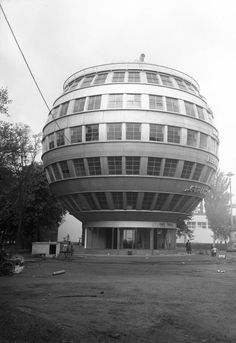 "Ball House: 1928 (via Retronaut)  ""The Ball House, Dresden, was the first spherical building in the world. It had six levels and a lift. Described by Nazi press as ""degenerate art to be destroyed"" and ""un-German"", It was demolished in 1938."" - Wikipedia"