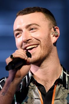 Sam Smith Gives a Surprise Performance at 1 Couple's Wedding, Proves He's a Actual Angel Letras Sam Smith, Sam Smith Lyrics, Frederick Smith, Singer Sam Smith, Matchbox Twenty, Wonder Boys, Love Sam, The Late Late Show, Sam Claflin