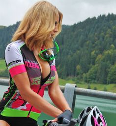 Reasons that a Bicycle Is a Perfect Friend for You - Bike riding Road Bike Women, Bicycle Women, Bicycle Girl, Radler, Cycling Girls, Cycle Chic, Sporty Girls, Biker Girl, Athletic Women