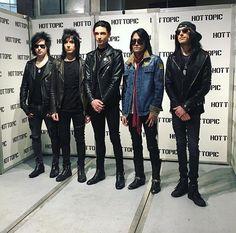 Black Veil Brides at LA Mall Hot Topic on 1/6/18.