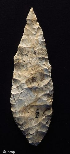 Solutrean tool discovered in Erve Valley (Mayenne, France)