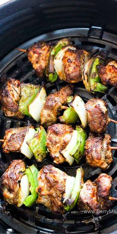 These Air Fryer Beef Steak Kabobs are great to make indoors! Air Fryer Dinner Recipes, Air Fryer Oven Recipes, Recipes Dinner, Steak Kabobs, Beef Skewers, Beef Kabobs In Oven, Air Fryer French Fries, Beef Recipes, Healthy Recipes