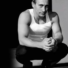 Vin Diesel: I love him in the fast and furious movies ;) and pacifier Vin Diesel, Dwayne Johnson, Michelle Rodriguez, Fast And Furious, Putin Shirtless, In Soviet Russia, Sinclair, Meanwhile In Russia, Wladimir Putin