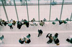 Networking  En los negocios, crear relaciones sociales puede ser muy beneficioso para todas las partes implicadas. Aprende a hacer networking con éxito.