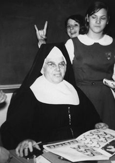 I went to Catholic school back when the mass was in Latin and nuns were our teachers. PS I never actually went to Catholic school I just found this amusing Funny Family Photos, Funny Pictures, Vox Angeli, Catholic School Girl, Family Humor, Pictures Of The Week, The Good Old Days, Madonna, Childhood Memories