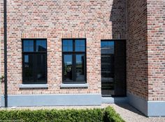 Ramen en deuren jeurissen34 Belgian Style, Black Exterior, House Extensions, Industrial House, House Painting, Windows And Doors, Architecture Details, Construction, Future House