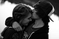 - Se existe alguém que pode machucar você, existe alguém que pode curar suas feridas.
