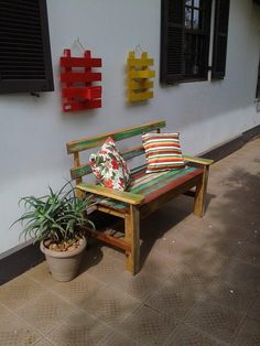 Vintage Inspired Pallet Patio Bench | 101 Pallet Ideas