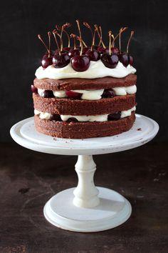 Receta:Virginia Sar/Torta de Chocolate, Crema y Cerezas