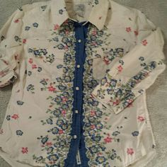 Lucky Brand 100% cotton snap closure Shirt Western styling, 3/4 sleeves, great condition! Lucky Brand Tops Button Down Shirts