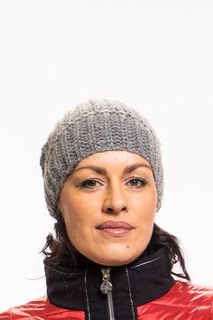 Mütze vonOUI   kuschlig warmeMütze   schöner Strick   leicht zu tragen   angenehmer Tragekomfort  Material: 60% Polyacryl / 15% Alpaka / 15% Wolle