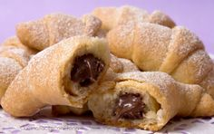 Cornetti veloci | Ricetta senza uova né zucchero, veloci e facilissimi Sweets Recipes, Raw Food Recipes, Italian Recipes, Cooking Cake, Easy Cooking, Croissants, Delicious Desserts, Yummy Food, Sweet Pastries