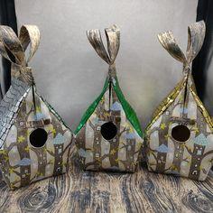 Elfjes Boom Glow-in-the-dark Birdhouse Bag voor breiers of hakers, Vogelhuis Breitas/projecttas, helemaal gevoerd by FiberRachel on Etsy Roof Colors, Yarn Bowl, Secondary Color, Knitted Bags, Birdhouse, The Darkest, Knit Crochet, My Design, Glow