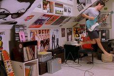 Movie bedroom, Grunge bedroom, Grunge room, Retro room, Bedroom vintage, Bedroom - Best Bedrooms In 90s Movies -  #Moviebedroom