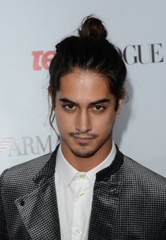 Avan Jogia Hair Knot - Avan Jogia rocked a topknot at Teen Vogue's Young Hollywood Party.