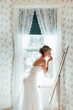 30 Must Take Pre-Wedding Photos ❤ See more: http://www.weddingforward.com/pre-wedding-photos/ #weddings #photography