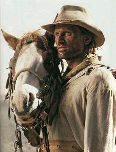 Viggo Mortensen & one of the horses portraying Hidalgo. Mortenson bought one of the equine actors, the Paint Horse RH Tecontender, nicknamed TJ.