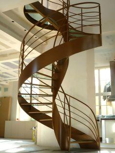 Escalier Design Hélicoïdal dessiné et créé par Jean Luc Chevallier pour La Stylique