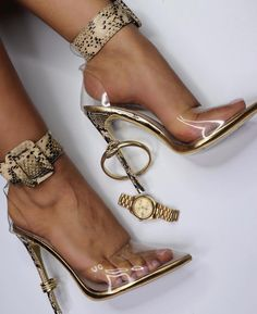 """ea7596d87a4a Styled By Emss on Instagram  """"✨ okay now these heels are too fly ✨ we are  obsessed • • •  heels  dailyoutfitinspo  fashion  fashionista  fashionlover  ..."""