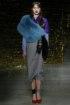 Miu Miu Spring 2016 Ready-to-Wear Collection Photos - Vogue  http://www.vogue.com/fashion-shows/spring-2016-ready-to-wear/miu-miu/slideshow/collection#6