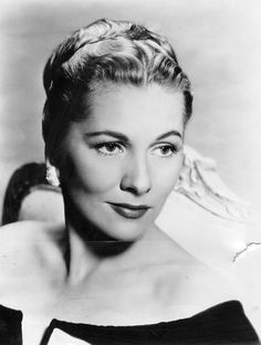 Joan Fontaine #hollywood #classic #actresses #movies.   (1917-2013)  Olivia de Haviland's younger sister.  They have been estranged most of their adult lives.