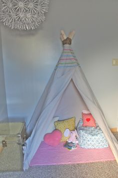 Good directions for a no-sew teepee using a staple gun and a canvas drop cloth