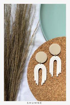 Handmade Rope Polymer Clay Stud Earrings / White and Beige Woman Fashion, Boho Fashion, Fashion Models, Fashion Jewelry, Unique Earrings, Earrings Handmade, Unique Jewelry, Stud Earrings, Etsy Handmade