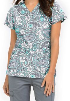 by Med Couture Niki Simply Paisley v-neck print scrub top. Healthcare Uniforms, Medical Uniforms, Work Uniforms, Scrubs Outfit, Scrubs Uniform, Vet Scrubs, Nursing Scrubs, Nursing Clothes, Scrub Tops