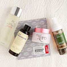 Skin care can be tricky—but it shouldn't be. This kit has all anyone can ever need to amp up their skin care game, making it so much easier to stick to a skin care regimen. It includes our best-seller oil-cleanser, a fresh foam cleanser, an award-winner toner, our top-rated essence, and a brightening hydrogel sheet mask.