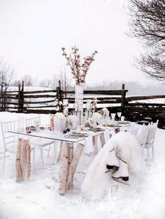 This is pretty - but who in their right mind would eat outside when it's THIS COLD???
