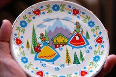 pretty doll plate with Dutch/Swiss/Scandinavian theme?