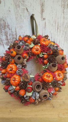 Autumn Wreaths, Easter Wreaths, Christmas Deco, Christmas Wreaths, Wreath Crafts, Pumpkin Decorating, Halloween Decorations, Fall Decor, Floral Wreath