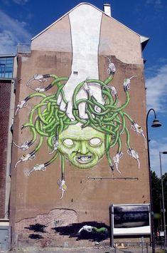 BLU in Colonia, Germania. 000 Street art, graffiti, medusa