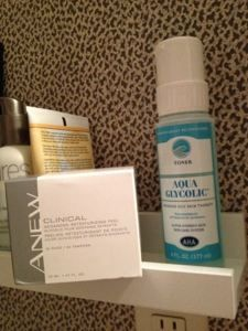 Using Glycolic Anew Face Pads and Aqua Glycolic Toner Ladies Style, Do What You Want, Shampoo, Aqua, Bottle, Face, Water, Flask, Faces
