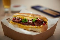 Hot Dog Buns, Hot Dogs, Restaurant Streets, Tiger Beer, Best Street Food, Malaysian Food, Foods To Eat, Food Festival, Restaurant Recipes