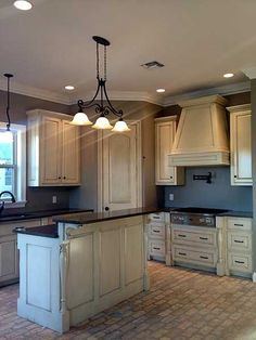LOVE THE LOOK! NOT THE FLOORING THOUGH SOME NICE DARK HARDWOOD WOULD MAKE  THIS STAND OUT