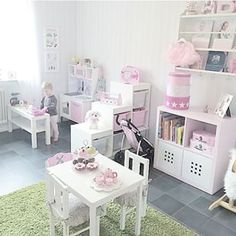 Room separated by cubes Toddler Playroom, Toddler Rooms, Girls Bedroom, Bedroom Decor, Toy Rooms, Kids Corner, Little Girl Rooms, Room Interior, Baby Room