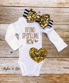 *´¯`•.¸.•*´¯`•.¸.•*´¯`•.¸.•*´¯`•.¸.•*´¯`•.  **PLEASE NOTE THIS LISTING IS FOR THE ONESIE ONLY. HEADBAND IS NOT INCLUDED.**  BABY GIRL coming home