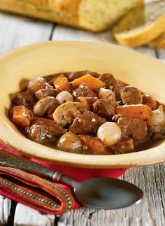 Slow Cooker Beef & Mushroom Stew – It takes just 20 minutes to put this recipe together in the morning! Then, come home to a tender and savory fall dinner.