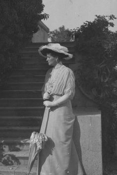 Empress Alexandra at Livadia, 1914, the year the end began.  Even though this is a profile pic you can see how worry over Alexei has aged her. says another pinner